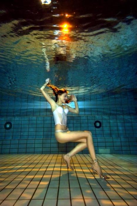 High Heels unter Wasser