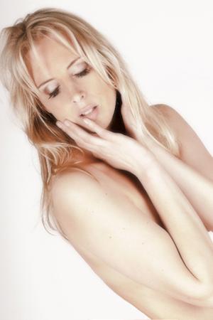 nude_model_blonde_450